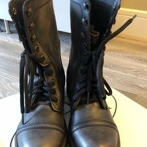 *NEW* Steve Madden boots